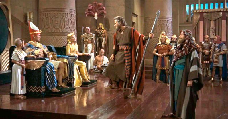 Но так как Моисей пришёл к фараону с посохом, не следует слишком порицать фараона за то, что он ему не поверил